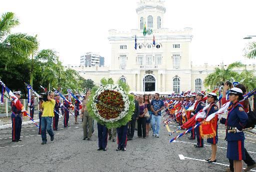 PMs mortos em serviço são homenageados. Foto: Ines Campelo/DP