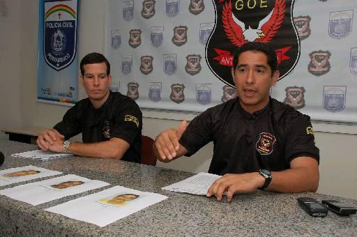 Castro (E) será substituído por Caraciolo. Foto: Roberto Ramos/DP