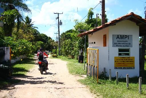 Moradores e veranistas do Pontal da Ilha estão assustados