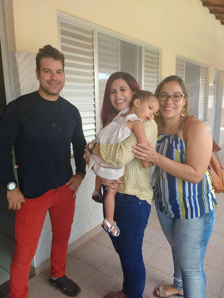 Gleide Ângelo, Fabiana Leandro e Raldney Júnior chegarão ao Recife com Júlia nesta segunda-feira