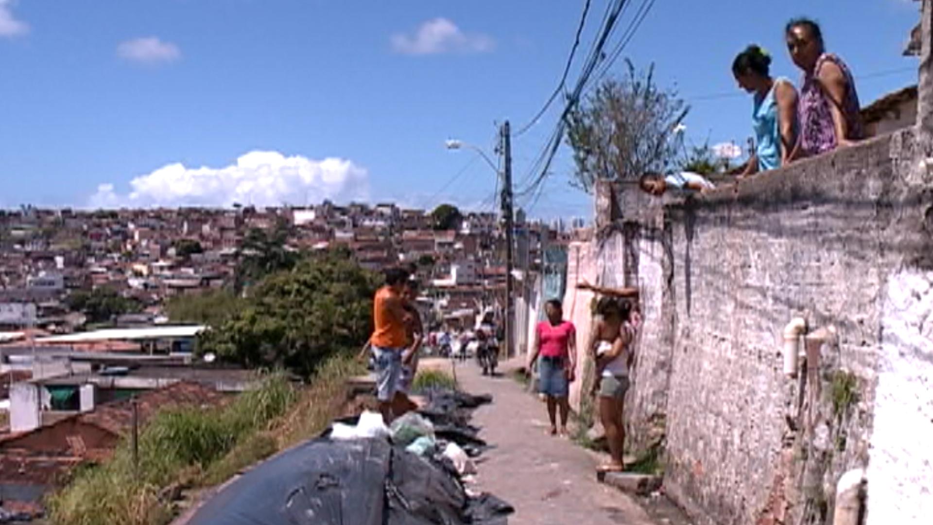 Garoto foi baleado quando voltava para casa. Fotos: TV Clube/Reprodução