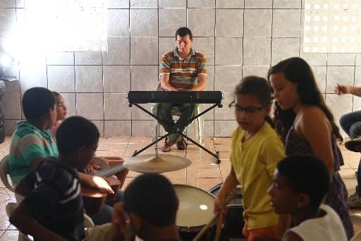 No Alto da Foice, no Vasco da Gama, grupo estuda música e canto