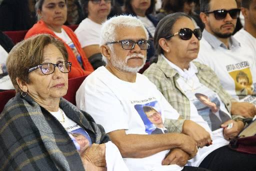 Família de Artur estava no fórum para acompanhar o julgamento. Foto: Karina Morais/Esp.DP