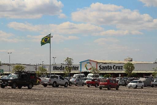 Moda Center de Santa Cruz do Capibaribe é um dos centros mais frequentados. Foto: Paulo Paiva / DP