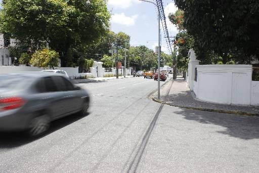 Onda de assaltos tem assustado também moradores da Av. 17 de Agosto