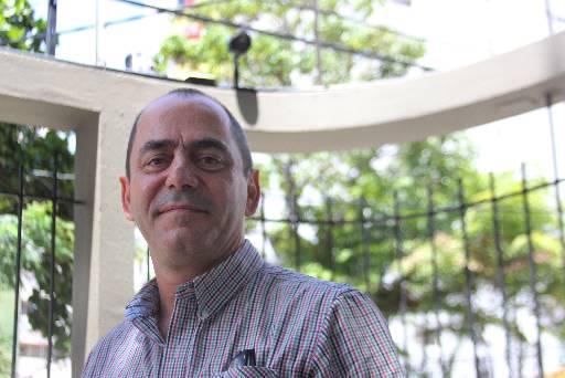 Celso Calheiros fez mudanças em seu prédio para entrar no projeto. Foto: Marlon Diego/Esp. DP