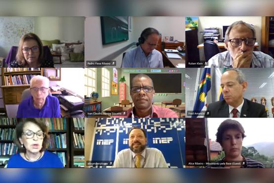 Inep debate reformulação do Enem com entidades da educação